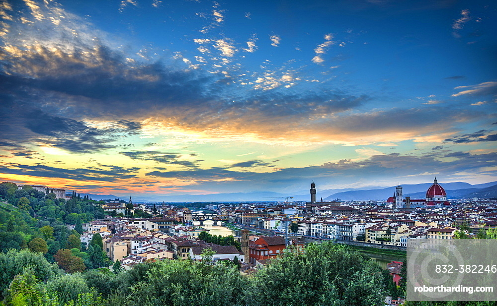 Panoramic view of the city with Florence Cathedral, Duomo Santa Maria del Fiore with the dome by Brunelleschi, Palazzo Vecchio, Ponte Vecchio, UNESCO World Heritage Site, dusk, Florence, Tuscany, Italy, Europe