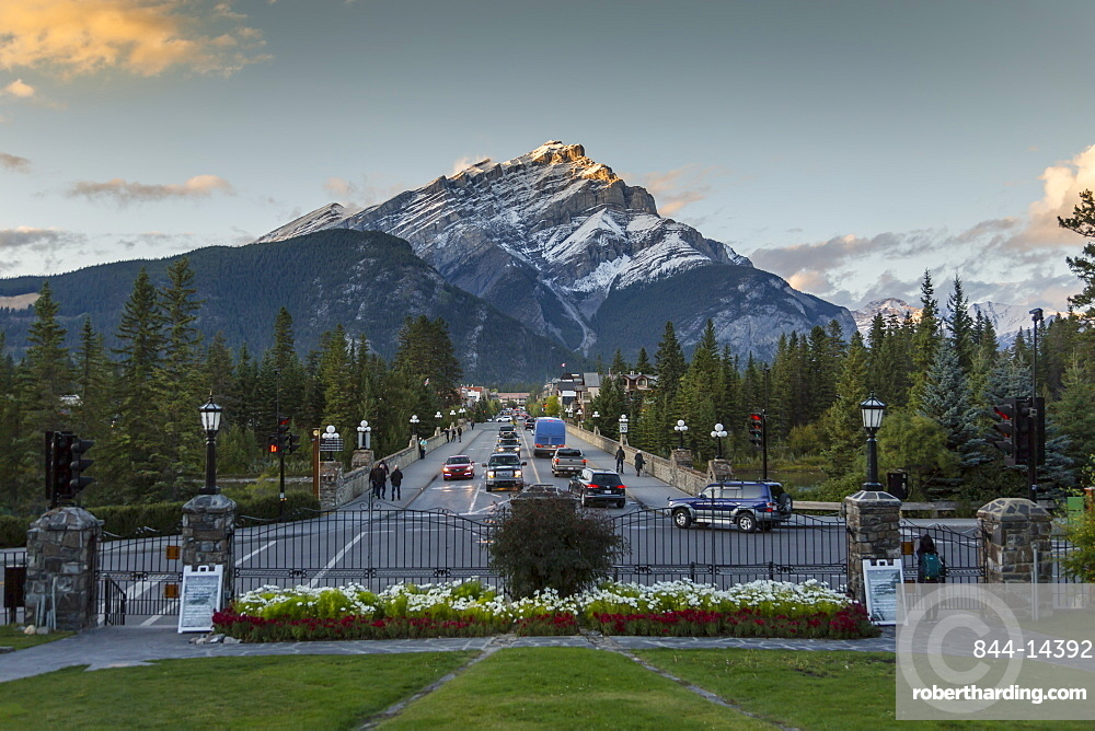 View down Banff Avenue toward Snow Peak, Banff, Banff National Park, UNESCO World Heritage Site, Canadian Rockies, Alberta, Canada, North America