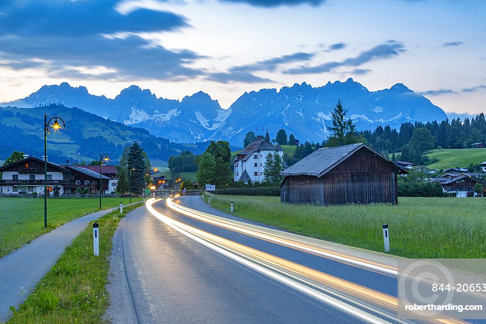 View of Reith bei Kitzbühel and Wilder Kaiser mountain range, Tirol, Austrian Alps, Austria, Europe