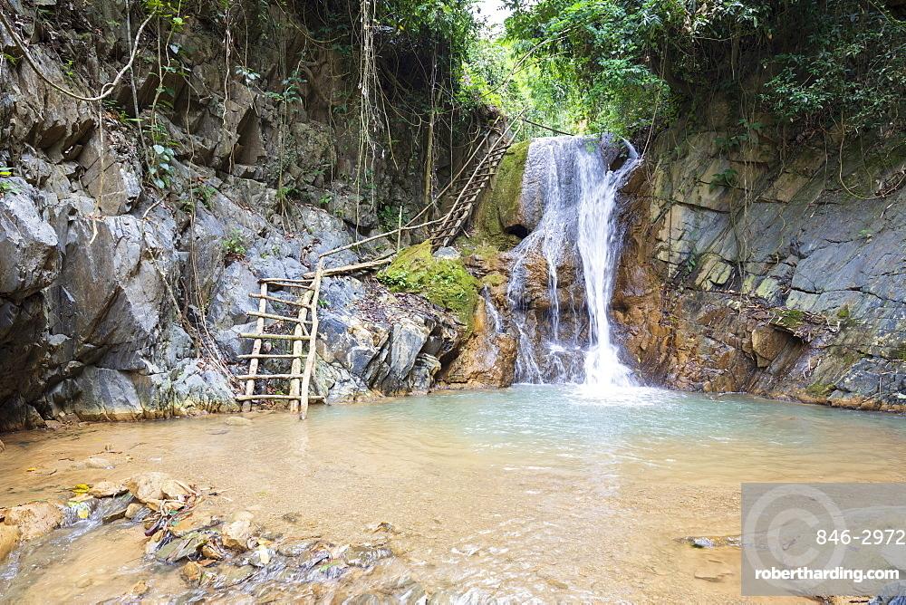 Waterfall on the 100 waterfalls walk at Done Khoun, Nong Khiaw, Luang Prabang Province, Northern Laos, Laos, Southeast Asia