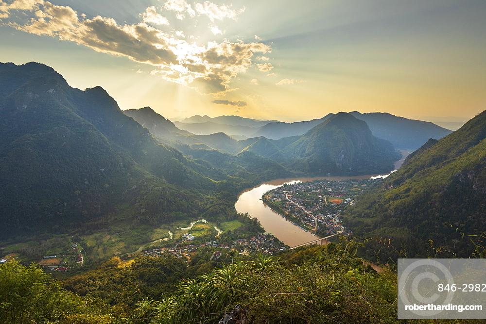 Sunset over Nam Ou River from Pha Daeng Peak Viewpoint, Nong Khiaw, Luang Prabang Province, Northern Laos, Laos, Southeast Asia