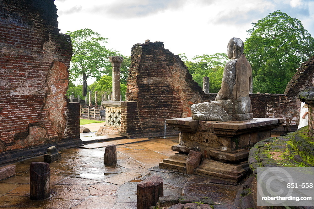 Remains of the Vatadage Temple in Polonnaruwa, UNESCO World Heritage Site, Sri Lanka, Asia