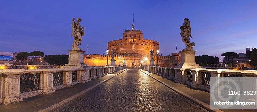 Mausoleum of Hadrian, Castel Sant'Angelo, Ponte Sant'Angelo Bridge, UNESCO World Heritage Site, Rome, Italy