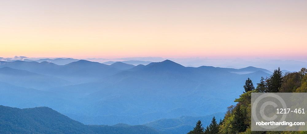 Blue Ridge Mountains from Waterrock Knob at dawn, Blue Ridge Parkway, Jackson County, North Carolina, United States of America, North America