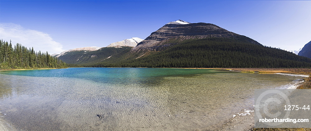 Panorama of the Adolphus Lake in the Mount Robson Provincial Park, UNESCO World Heritage Site, Canadian Rockies, British Columbia, Canada, North America