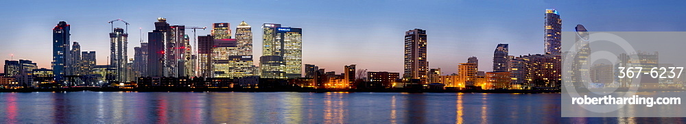 Canary Wharf from Greenwich at dusk