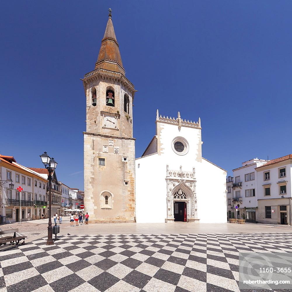 Praca da Republica, Igreja de Sao Batista church, Tomar, District Santarem, Portugal, Europe