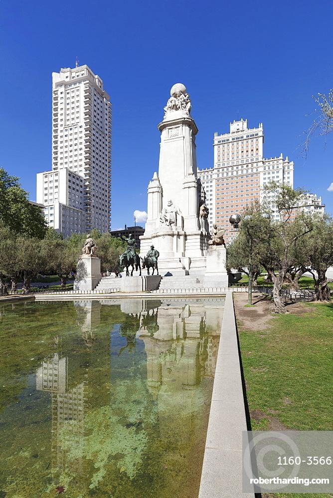 Torre de Madrid and Edificio Espana tower, Cervantes memorial, Plaza de Espana, Madrid, Spain, Europe