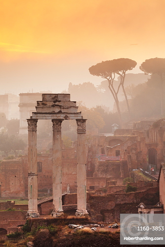 Roman Forum  (Foro Romano) at sunrise, UNESCO World Heritage Site, Rome, Lazio, Italy, Europe