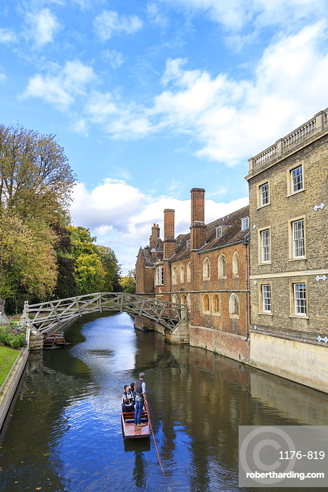 Cambridge University, Queen's College and Mathematical Bridge, Cambridge, Cambridgeshire, England, United Kingdom, Europe