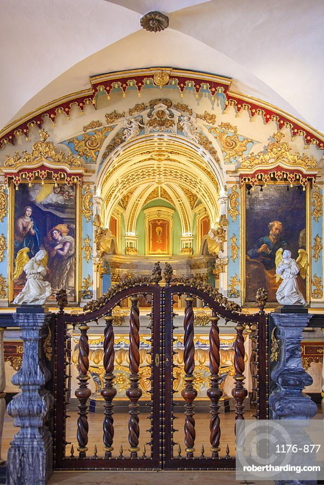 The chapel of bones in Sao Francisco (St. Francis Church) in Evora, Portugal, Europe