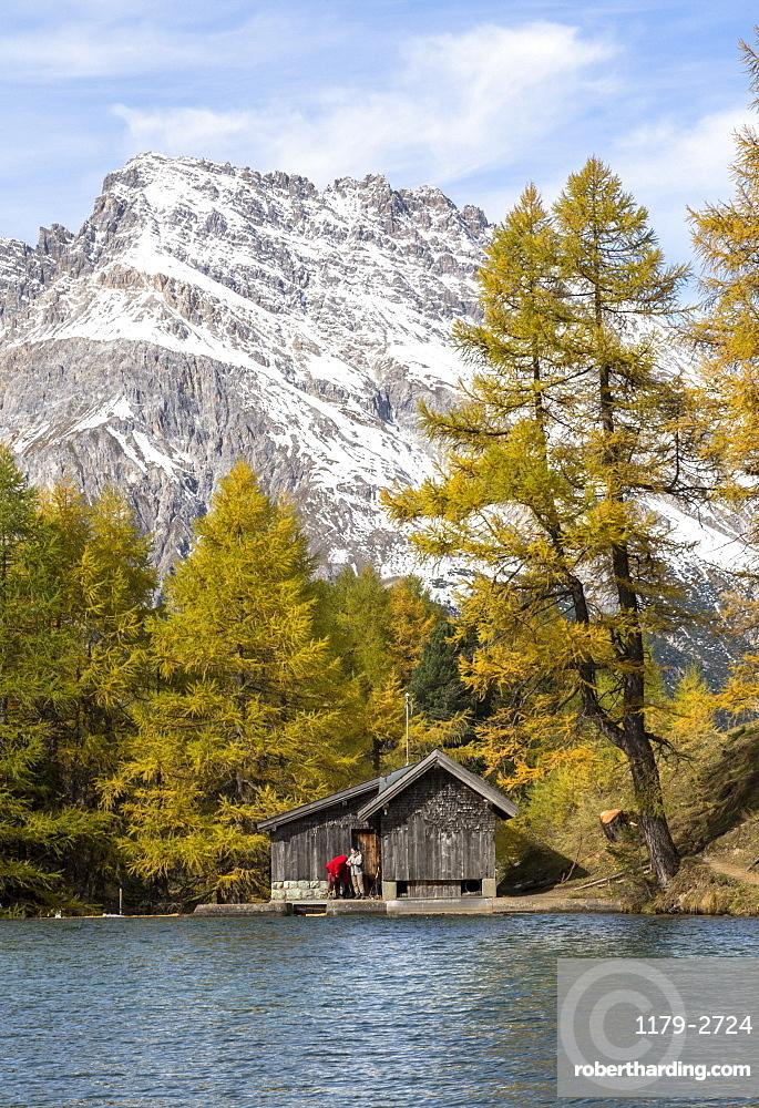 Wood hut on the shore of Lai da Palpuogna (Palpuognasee), Bergun, Albula Pass, Canton of Graubunden (Grisons), Switzerland, Europe