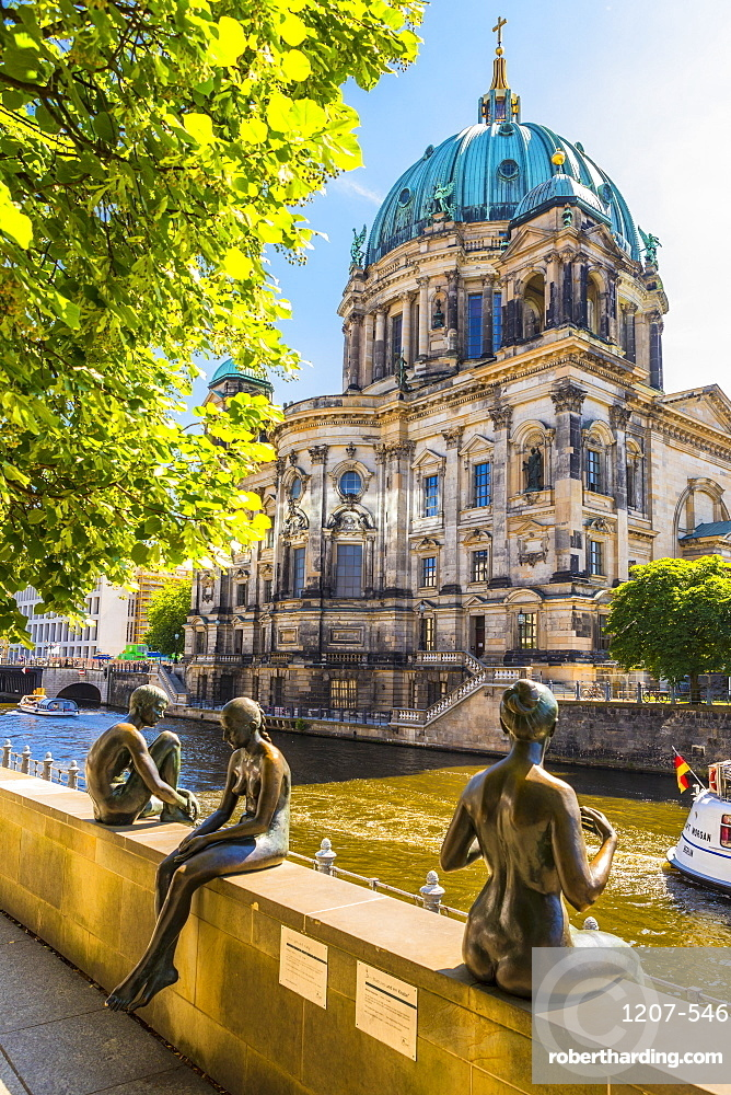 Berliner Dom (Berlin Cathedral) on the River Spree, Berlin, Germany, Europe