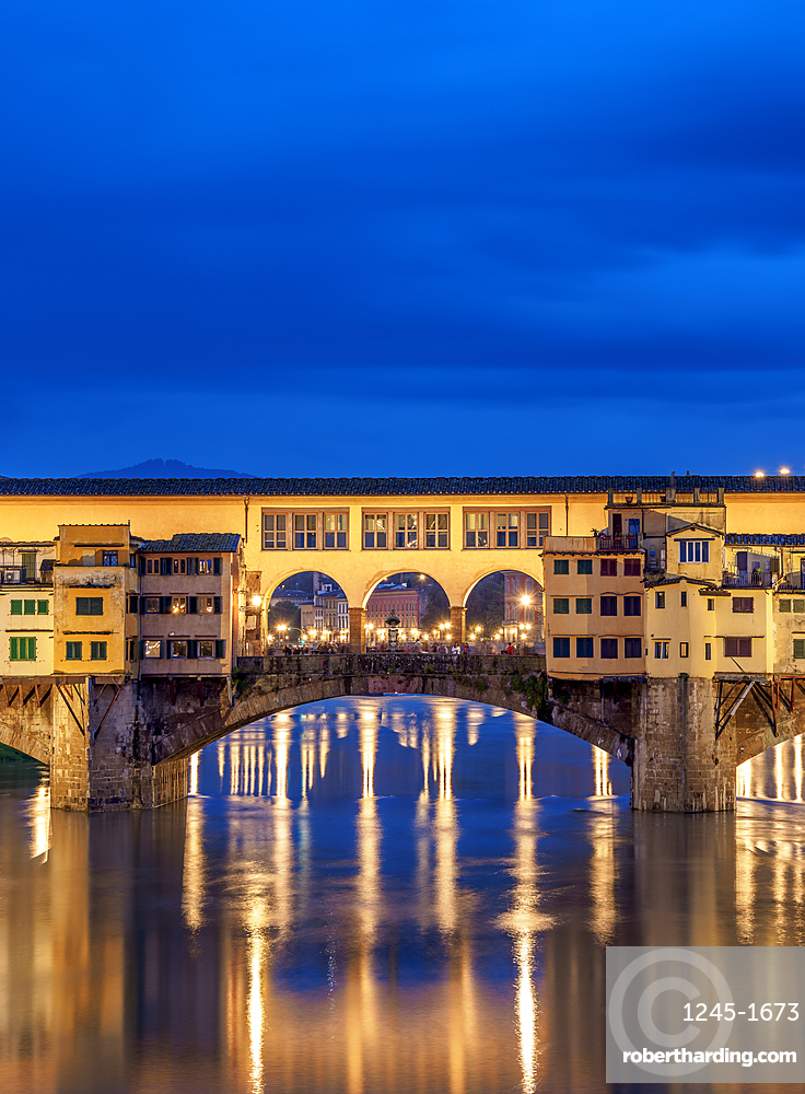 Ponte Vecchio and Arno River at dusk, Florence, Tuscany, Italy