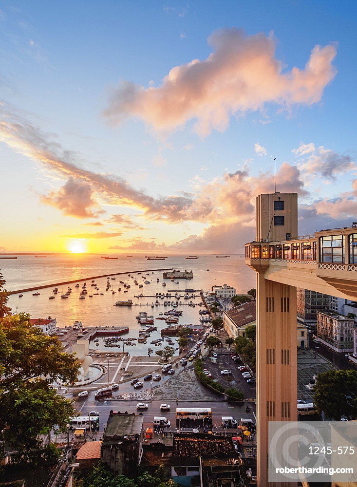 Lacerda Elevator at sunset, Salvador, State of Bahia, Brazil, South America
