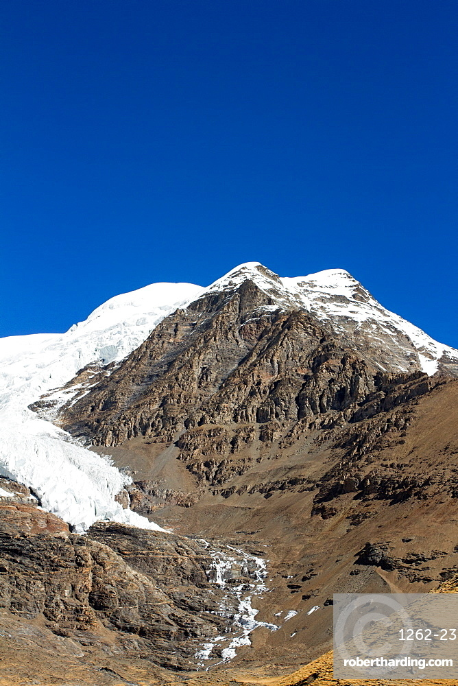 The Kora La Pass of Southern Tibet, Himalayas, China, Asia