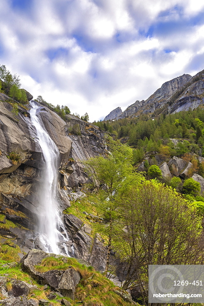 Waterfall of Ferro Valley, Val di Mello, Valmalenco, Valtellina, Lombardy, Italy, Europe