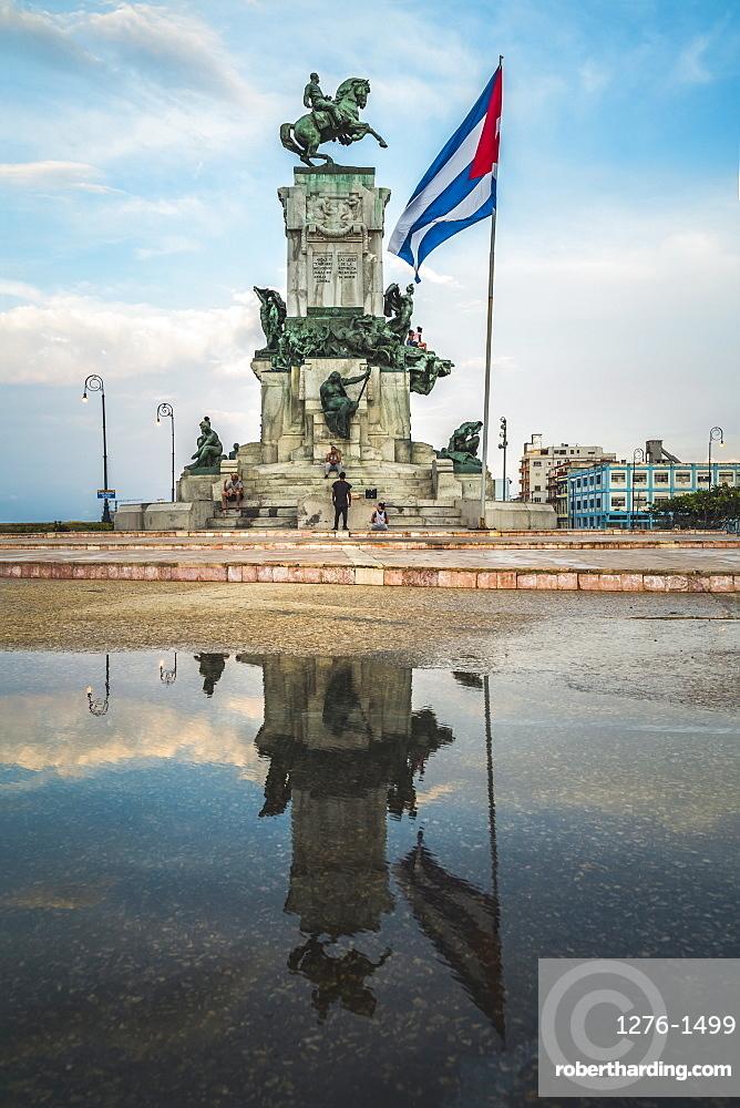 Monumento al General Antonio Maceo, Malecon, La Habana, Havana, Cuba, West Indies, Caribbean, Central America