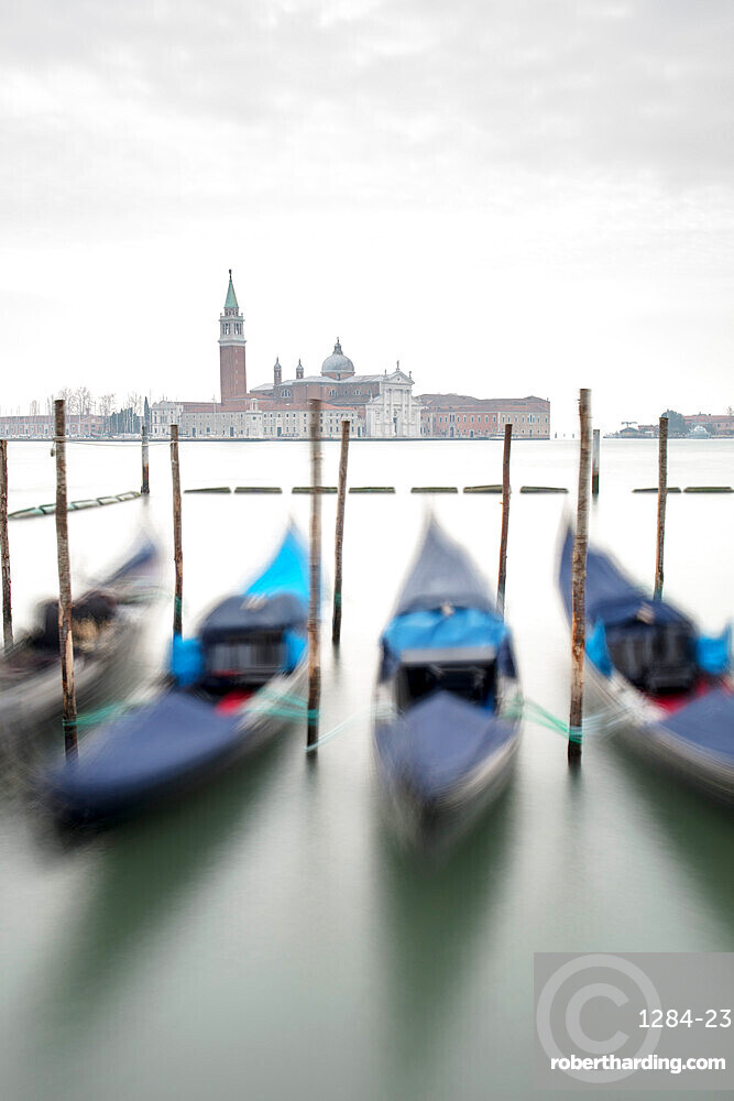 Gondolas with the Church of San Giorgio Maggiore in the background, Venice, UNESCO World Heritage Site, Veneto, Italy, Europe