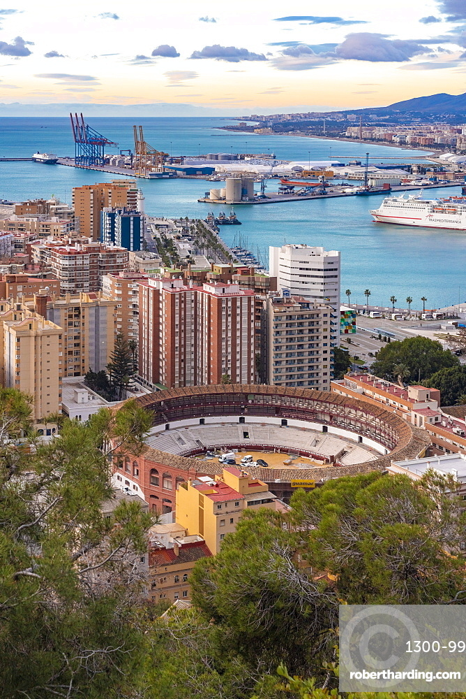 Malaga viewed from the view point of Gibralfaro by the castle, Malaga, Andalucia, Spain, Europe