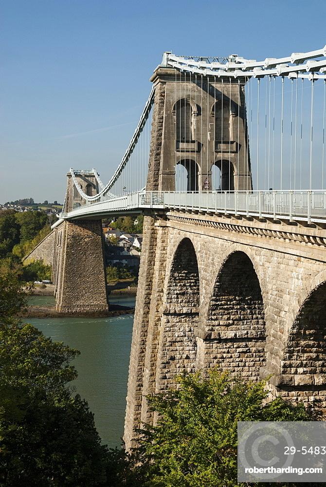 Menai Suspension Bridge, built by Telford 1826, linking Anglesey to Gwynedd mainland, North Wales, United Kingdom, Europe