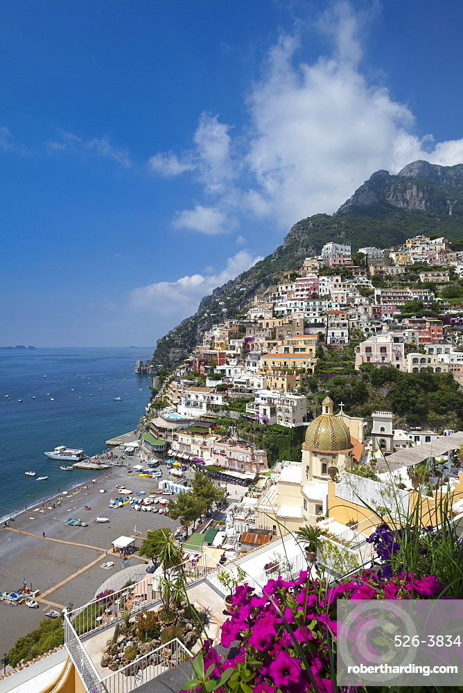 View of town and beach, Positano, Amalfi Coast (Costiera Amalfitana), UNESCO World Heritage Site, Campania, Italy, Mediterranean, Europe