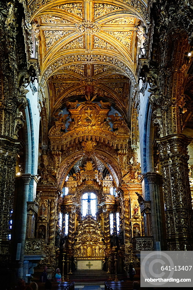 Sao Francisco Church, 600 years old, in the Ribiera district, UNESCO World Heritage Site, Porto (Oporto), Portugal, Europe