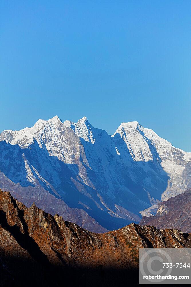 Himalayan mountain scenery, Sagarmatha National Park, UNESCO World Heritage Site, Khumbu Valley, Nepal, Himalayas, Asia