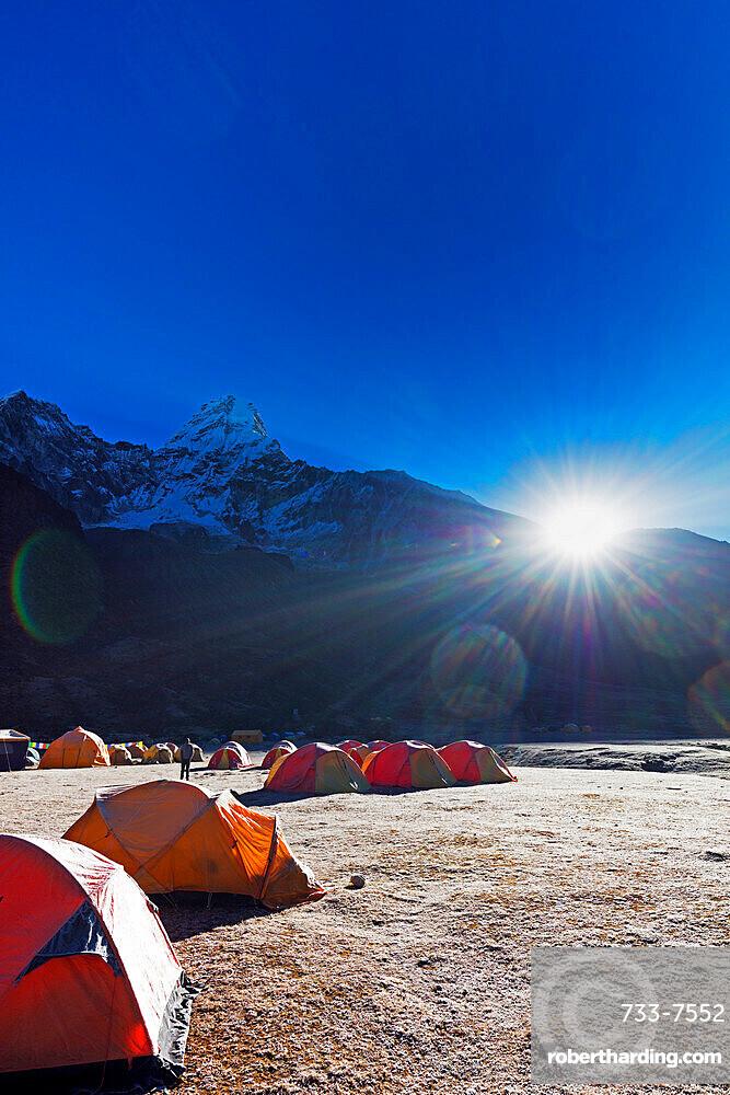 Ama Dablam, 6812m, base camp, Sagarmatha National Park, UNESCO World Heritage Site, Khumbu Valley, Nepal, Himalayas, Asia