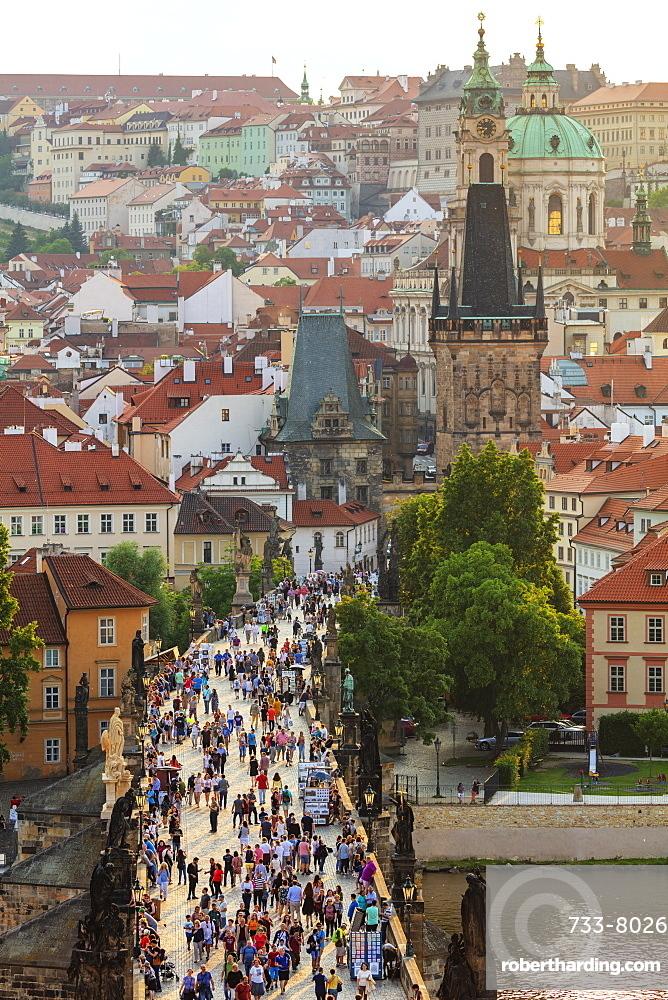Charles Bridge, Prague, UNESCO World Heritage Site, Bohemia, Czech Republic, Europe