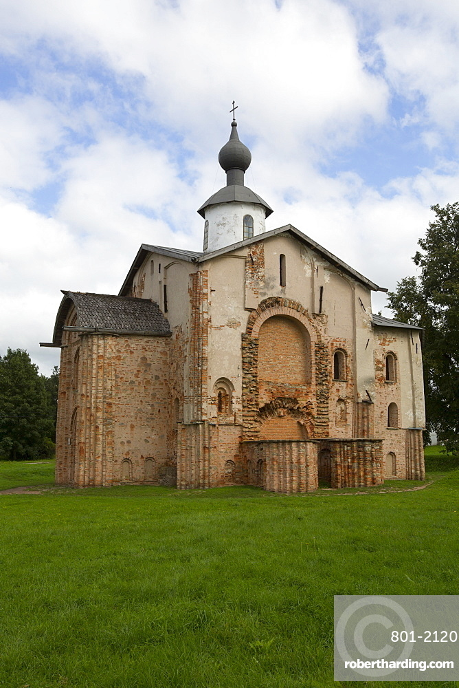Paraskeva Church, 13th century, UNESCO World Heritage Site, Veliky Novgorod, Novgorod Oblast, Russia, Europe
