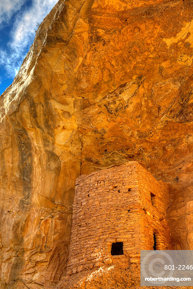 Tower Ruins, Ancestral Pueblo, up to 1,000 years old, Coomb Ridge area, Utah, USA