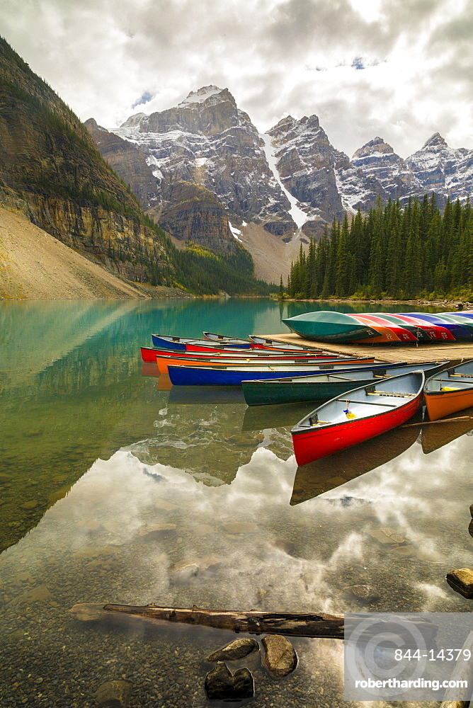 Tranquil setting of rowing boats on Moraine Lake, Banff National Park, UNESCO World Heritage Site, Canadian Rockies, Alberta, Canada, North America