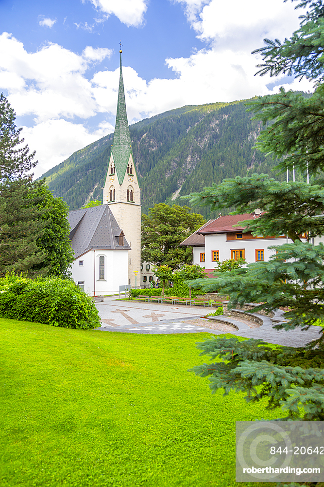 View of Pfarrkirche, Catholic Church in the town centre, Mayrhofen, Austria, Europe
