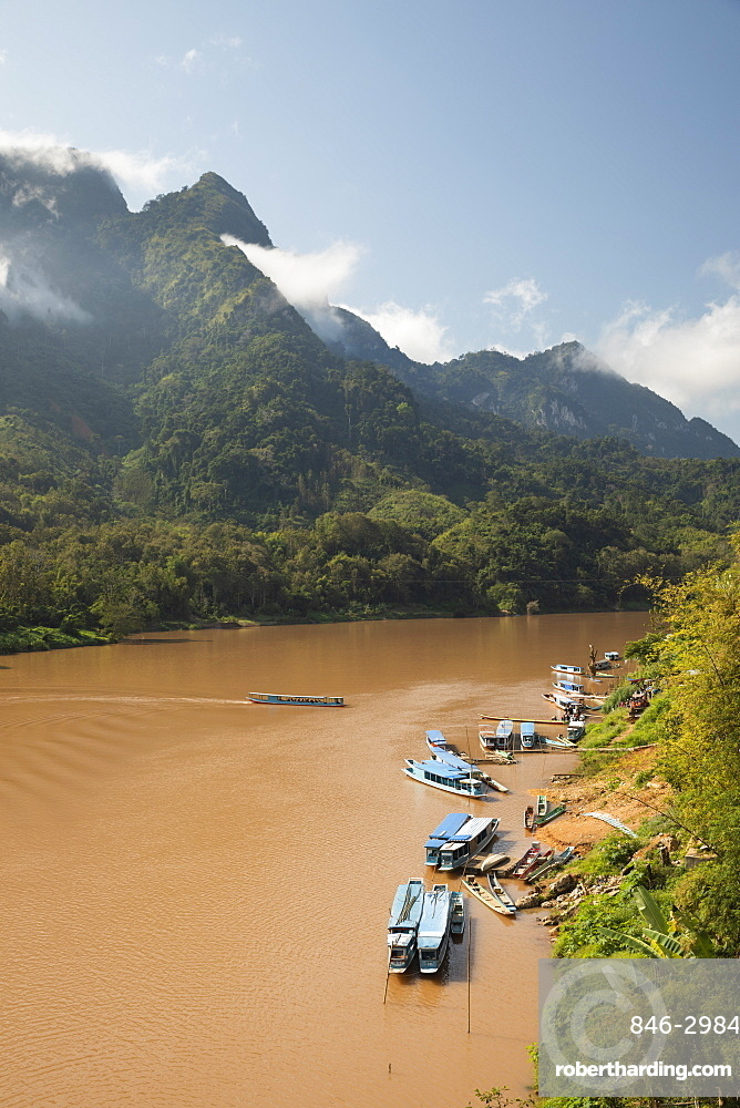 Nam Ou River with karst peaks and lifting mist, Nong Khiaw, Luang Prabang Province, Northern Laos, Laos, Southeast Asia