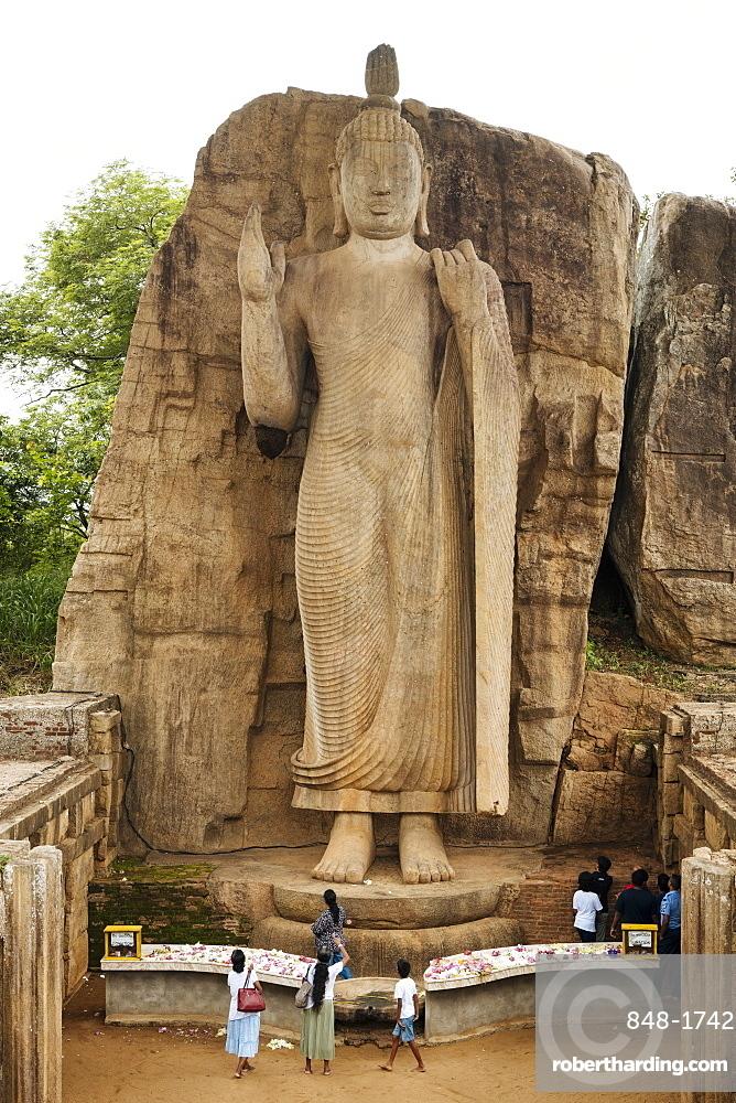 Avukana Buddha statue, Wayamba Palata, Sri Lanka, Asia