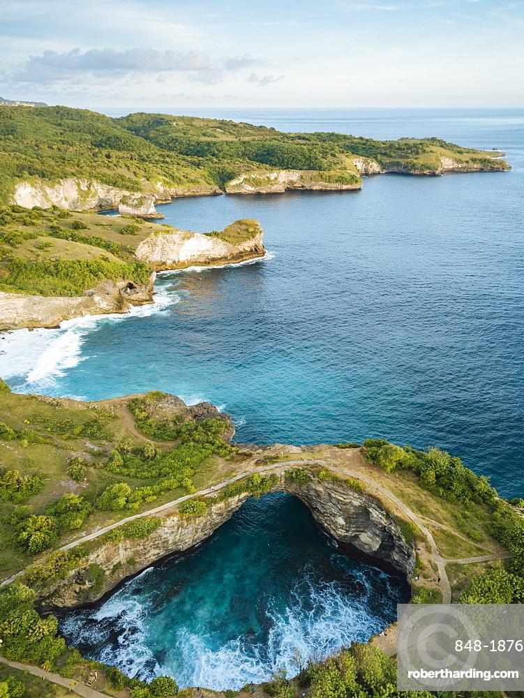 Broken Beach, Klungkung, Nusa Penida, Bali, Indonesia, Southeast Asia, Asia