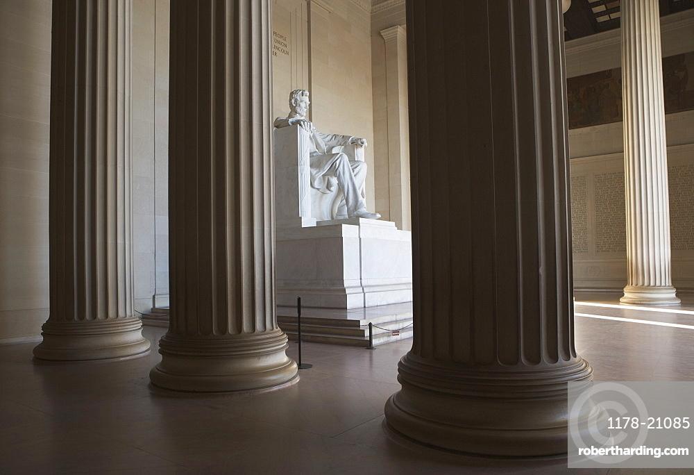 USA, Washington DC, Lincoln memorial between columns