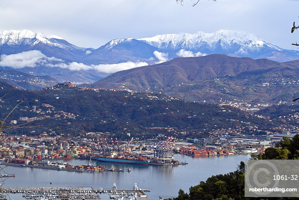 La Spezia in the snowy mountains