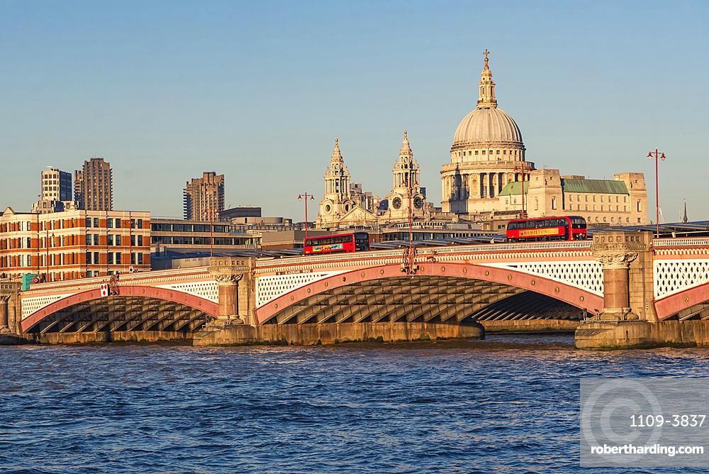 St. Pauls Cathedral and the River Thames, City of London, London, England, United Kingdom, Europe