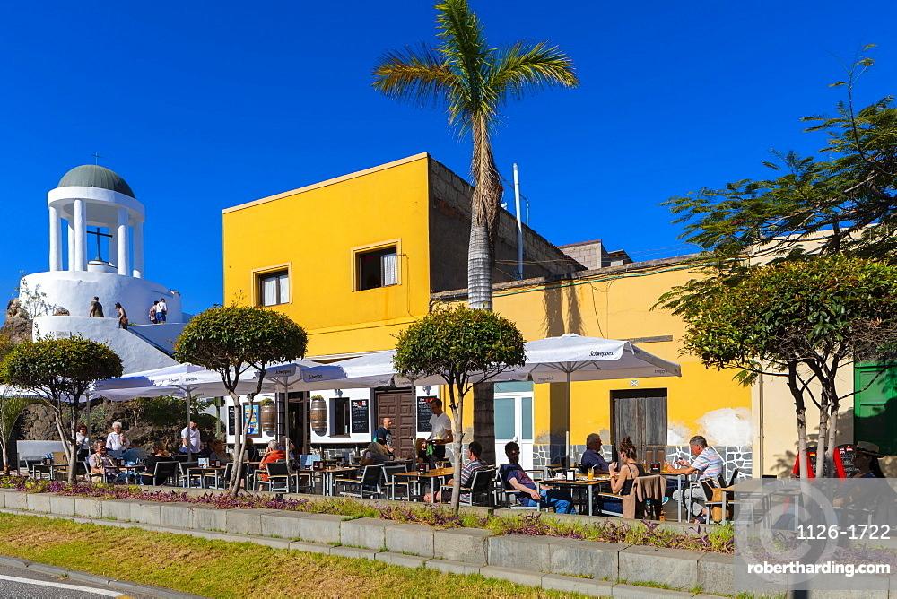 El Peñón del Fraile and Cafe, Old Town, Puerto de la Cruz, Tenerife, Canary Islands, Spain, Atlantic Ocean, Europe,