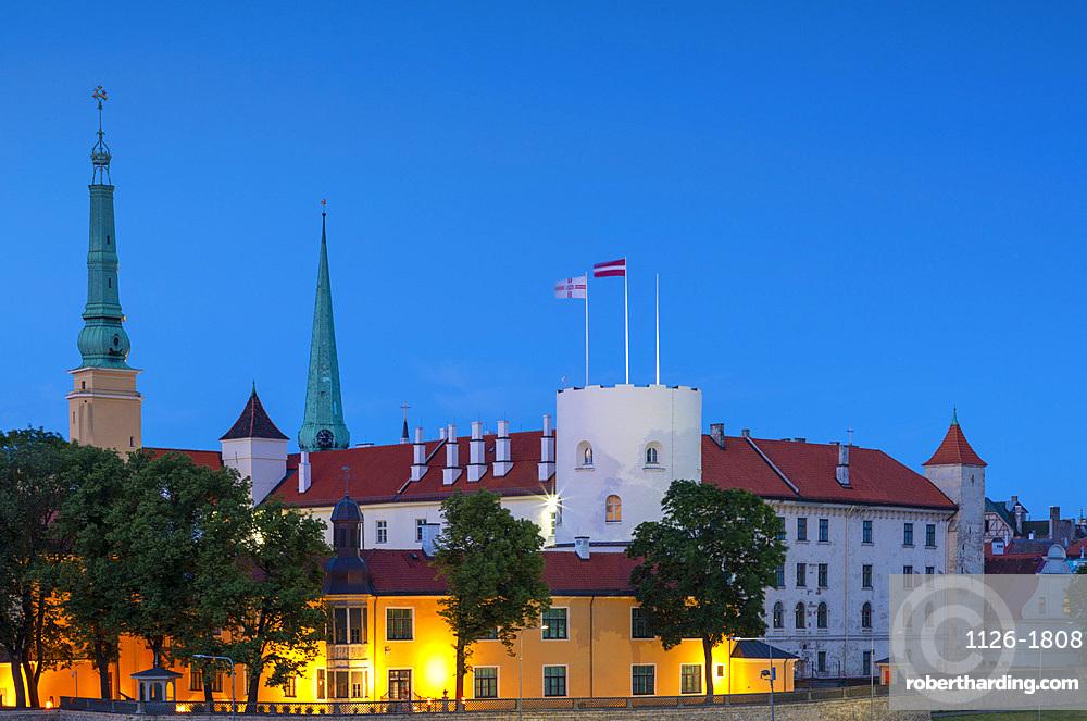 Riga Castle and Skyline at dusk, Old Town, UNESCO World Heritage Site, Riga, Latvia, Europe