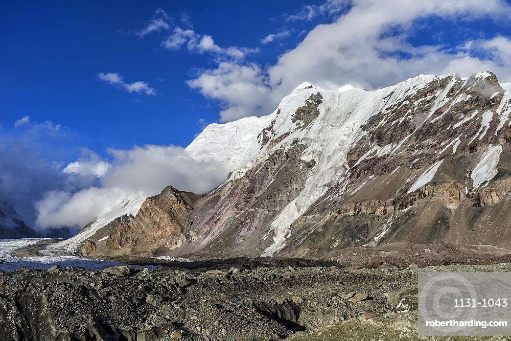 Engilchek Glacier and Khan Tengri Mountain, Central Tian Shan Mountain range, Border of Kyrgyzstan and China, Kyrgyzstan, Central Asia, Asia