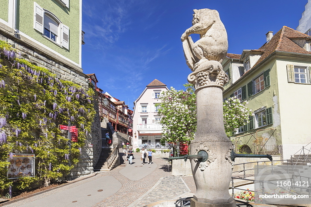Fountain in the old town, Meersburg, Lake Constance, Baden-Wuerttemberg, Germany