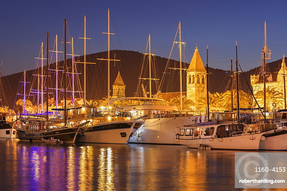 Sea Front Harbour in the Old Town (Stari Grad) of Trogir, UNESCO World Heritage Site, Dalmatia, Croatia