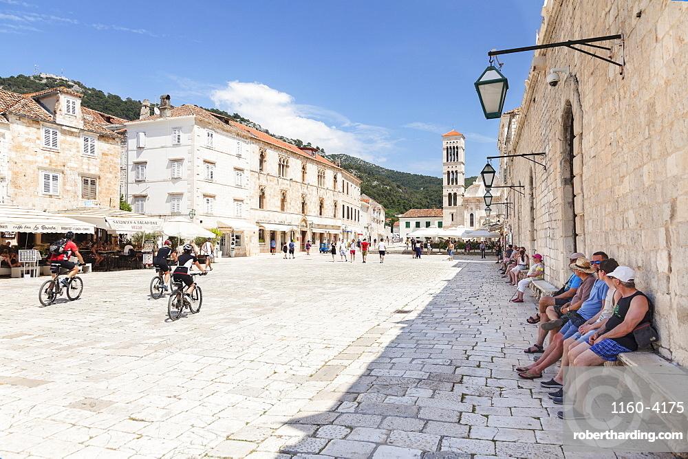 Restaurants at the Main Square with Sveti Stjepan Cathedral, Hvar, Hvar Island, Dalmatia, Croatia