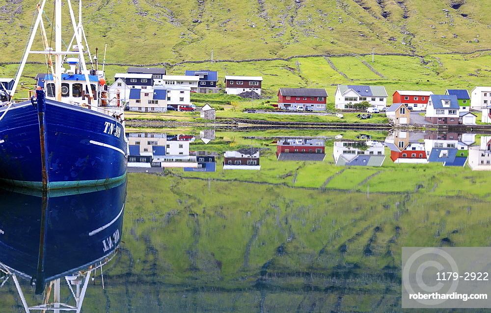 Fishing boat, Hvannasund, Vidoy Island, Faroe Islands, Denmark, Europe