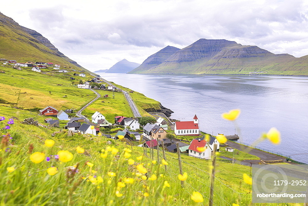 Village by the sea, Kunoy Island, Nordoyar, Faroe Islands, Denmark, Europe