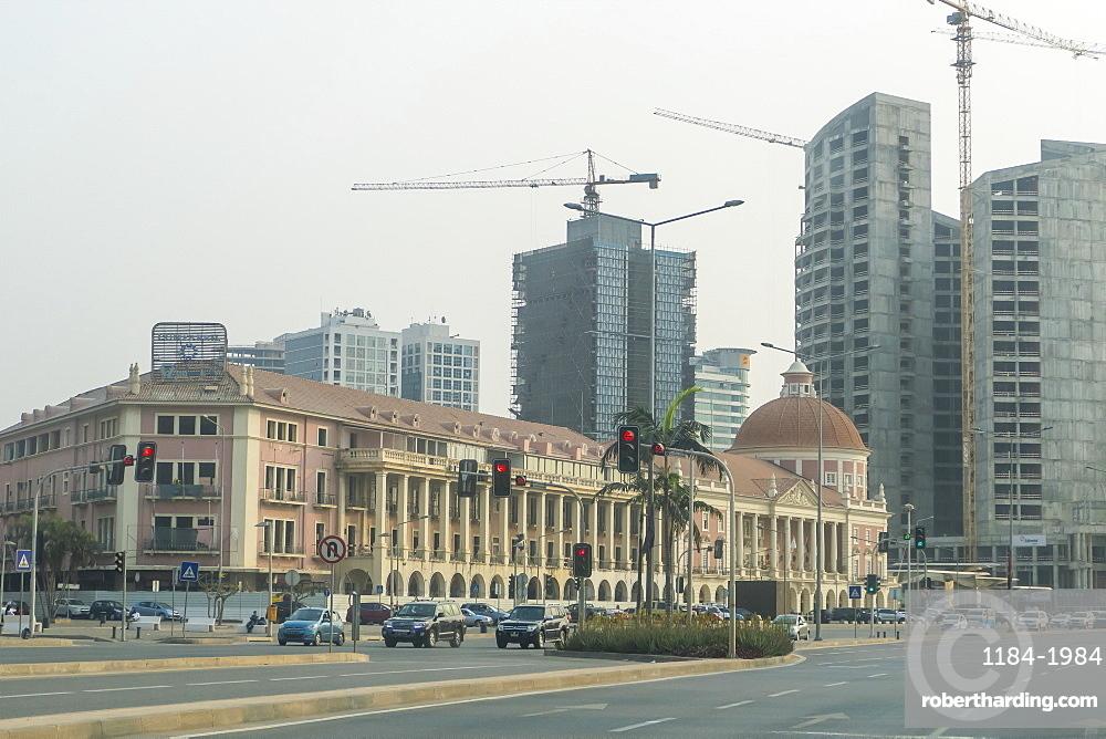 The new Marginal promenade (Avenida 4 de Fevereiro), Luanda, Angola, Africa