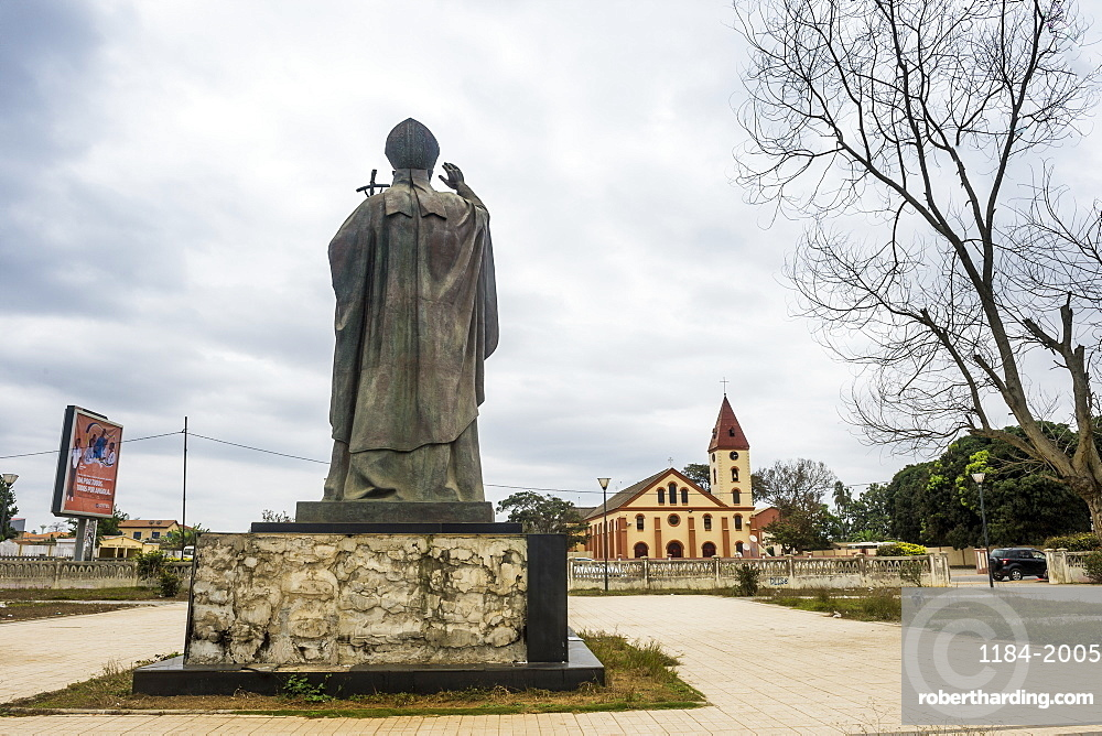 Pope statue errected for th visit of Pope Johannes Paul, Cabinda, Cabinda, Angola